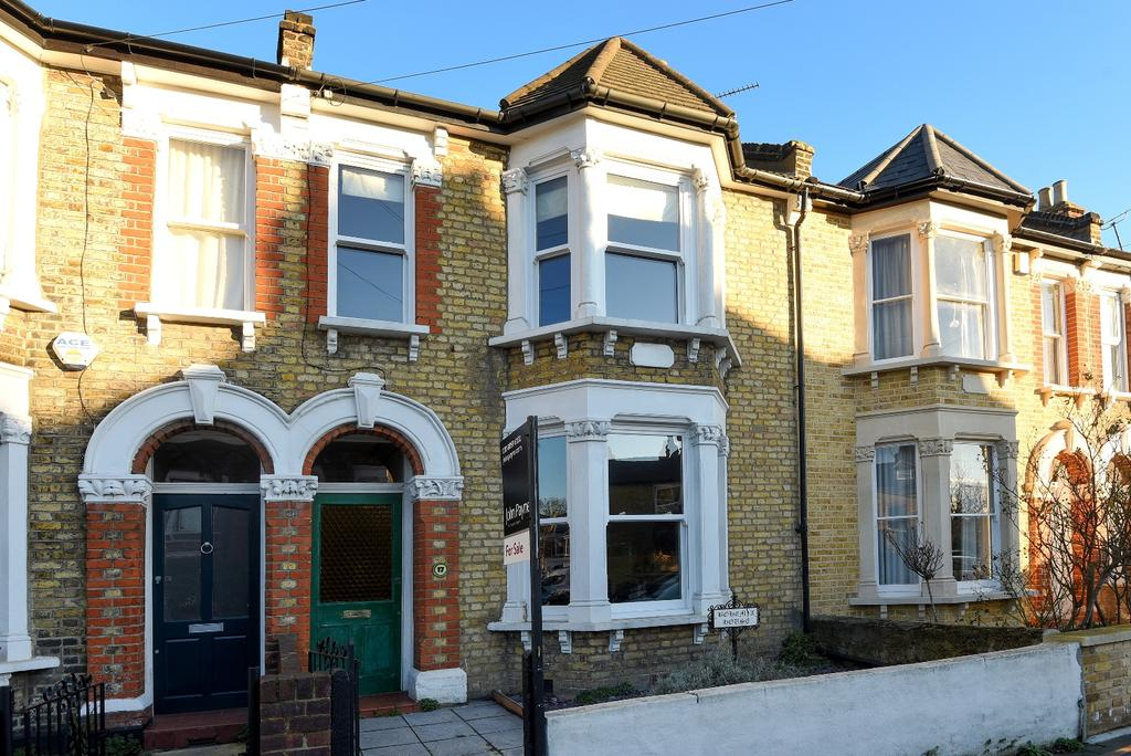 4 Bedrooms Terraced House for sale in Banchory Road London SE3