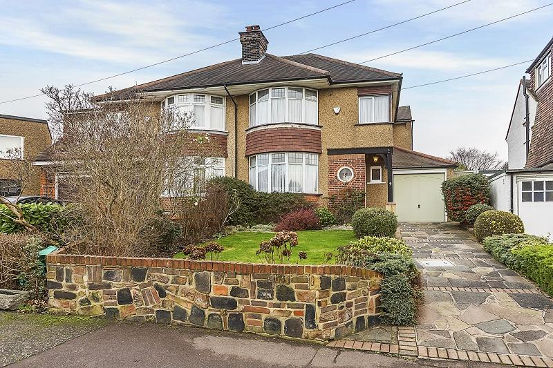 3 Bedrooms Semi Detached House for sale in Mayfair Gardens, Woodford Green, Essex. IG8