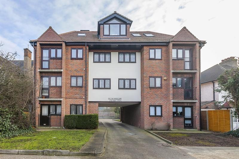 1 Bedroom Flat for sale in The Ridgeway , London, Greater London. E4