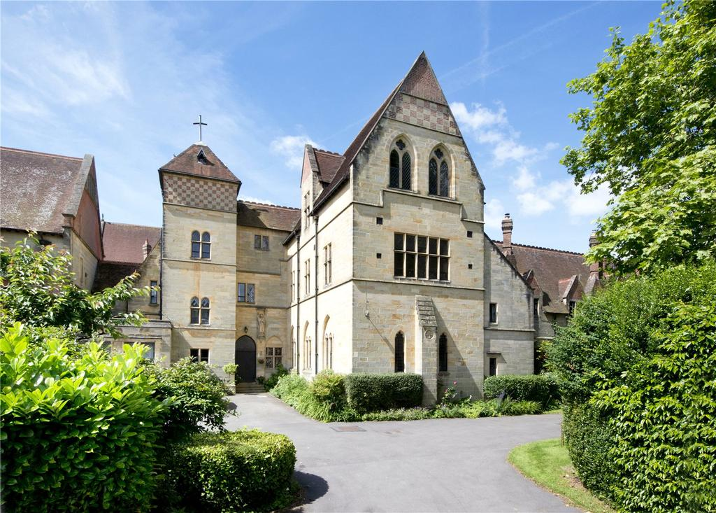 5 Bedrooms Semi Detached House for sale in The Old Convent, East Grinstead, West Sussex, RH19