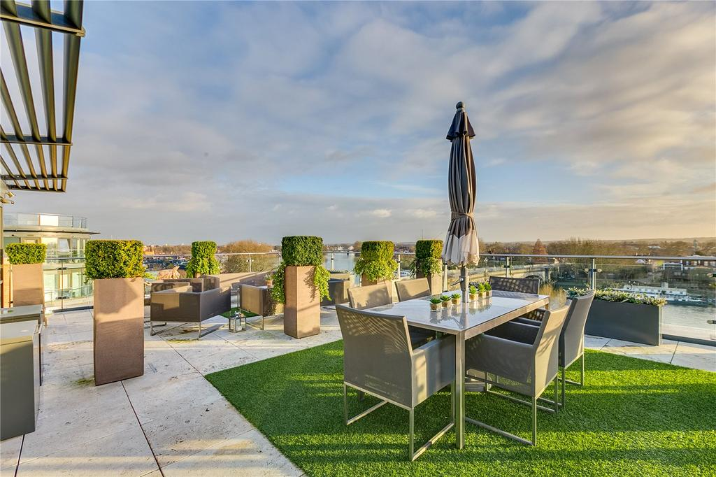 3 Bedrooms Flat for sale in Belvedere House, Kew Bridge, Middlesex
