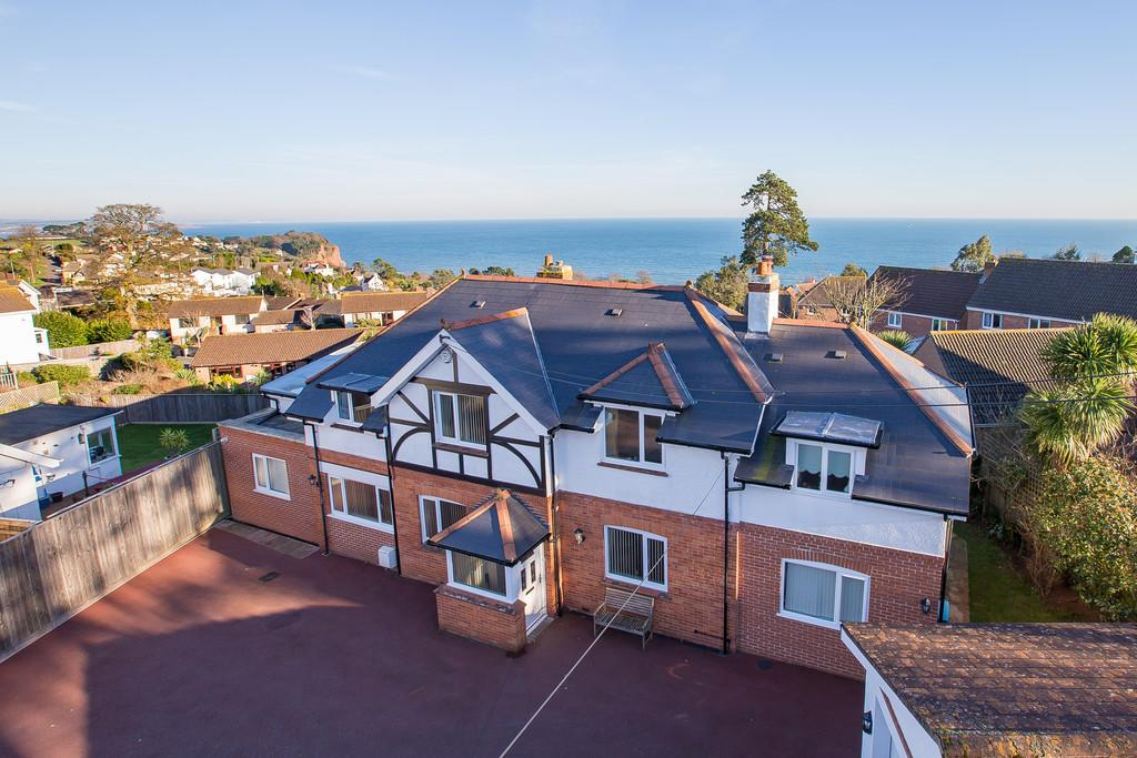 5 Bedrooms Detached House for sale in Cliff Road, Teignmouth, TQ14 8TW