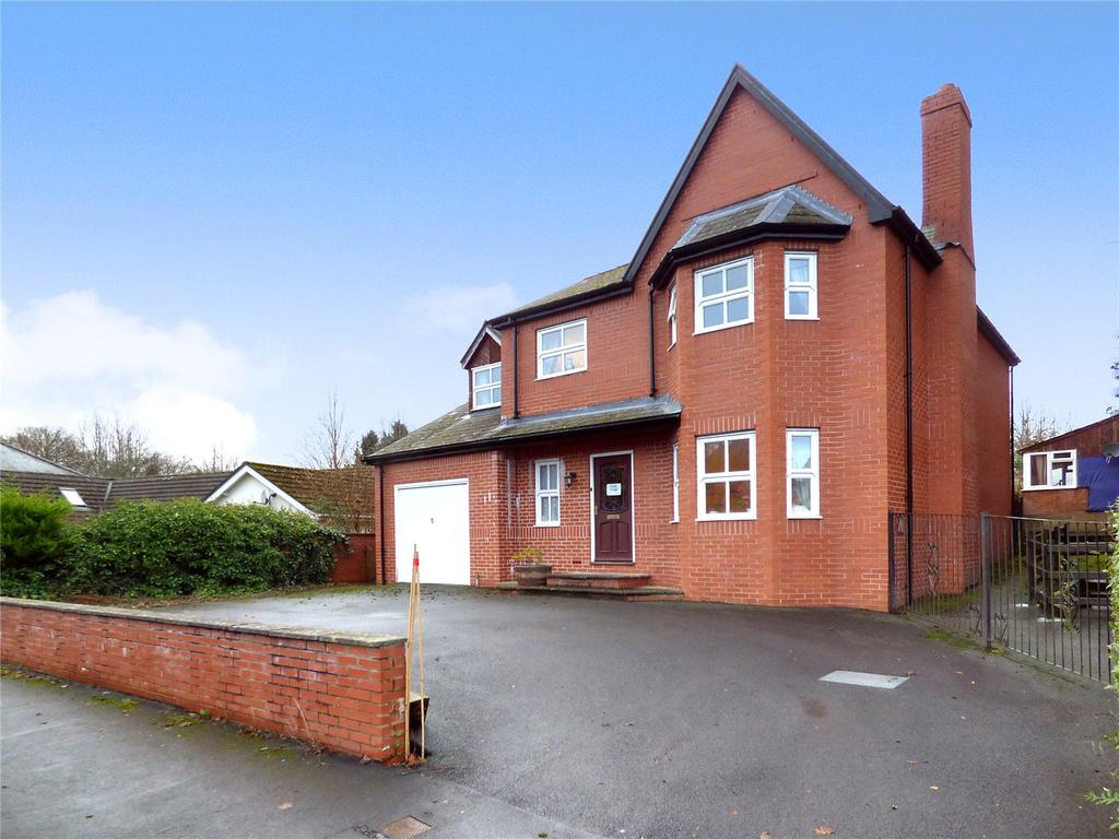 4 Bedrooms Detached House for sale in Arlais Road, Llandrindod Wells, Powys