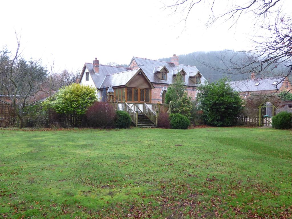 3 Bedrooms Detached House for sale in Abbeycwmhir, Llandrindod Wells, Powys
