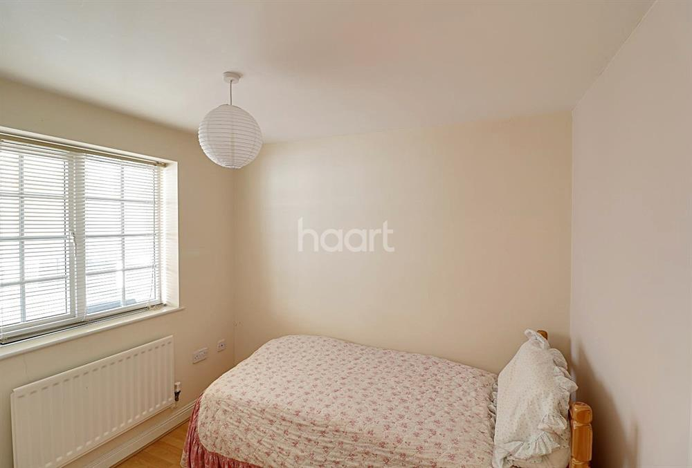 3 Bedrooms Town House for sale in Kinderton Close, Southgate, N14