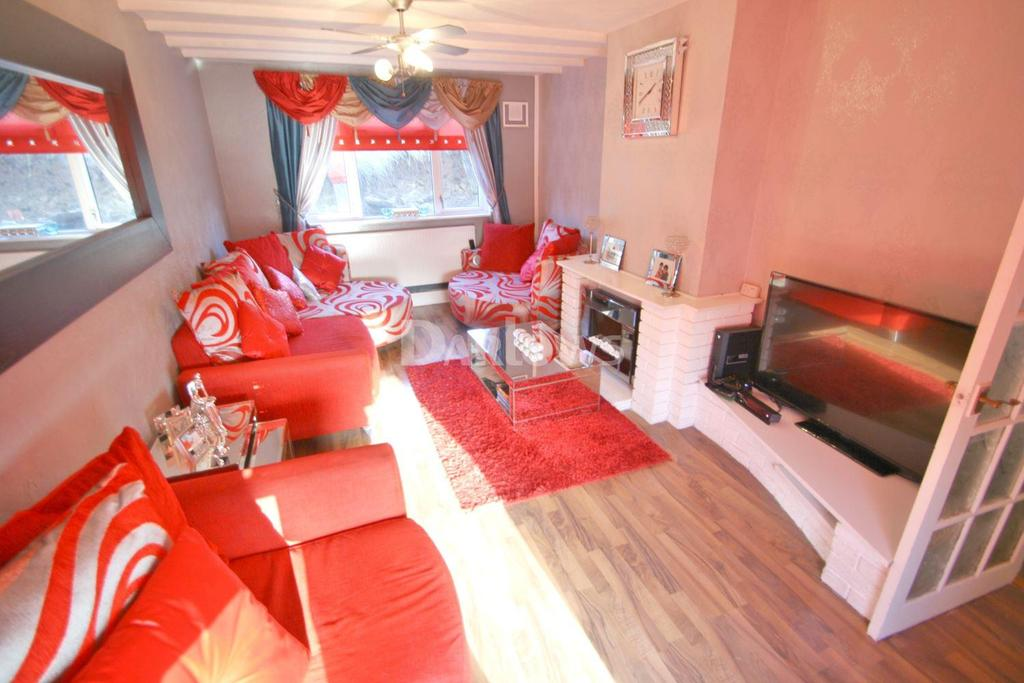 3 Bedrooms Terraced House for sale in Newman Road, Trevethin, Pontypool