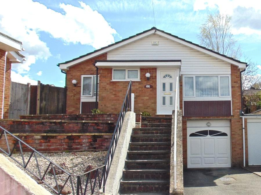 3 Bedrooms Detached Bungalow for sale in Rushmoor Close, Guildford, Surrey, GU2