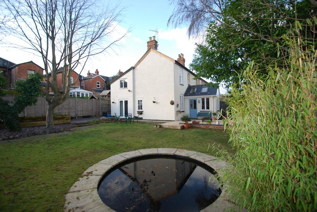 3 Bedrooms Semi Detached House for sale in Frederick Road, Malvern Link
