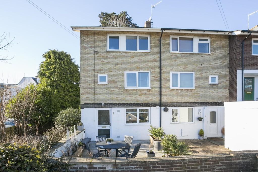 3 Bedrooms End Of Terrace House for sale in Woodbury Close, Tunbridge Wells