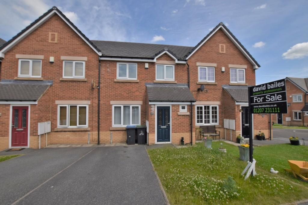 3 Bedrooms Terraced House for sale in Manor Court, Catchgate, Stanley