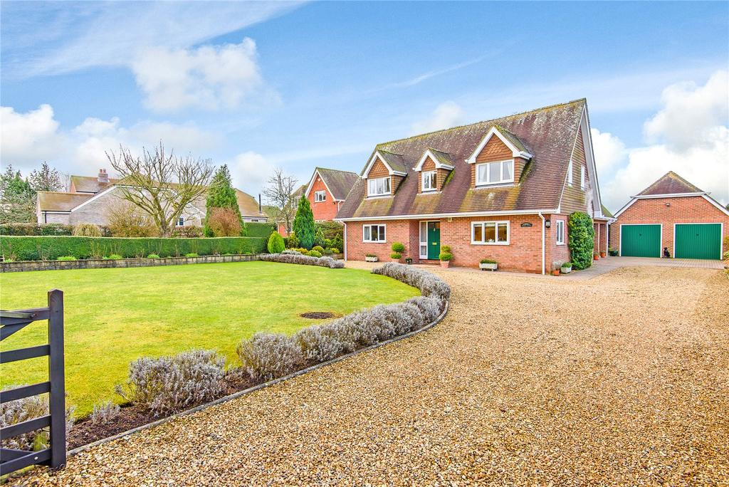 4 Bedrooms Detached House for sale in Cutting Hill, Ham, Berkshire