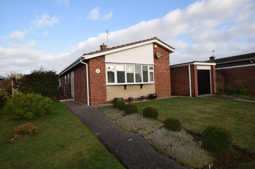 3 Bedrooms Detached Bungalow for sale in Normandie Way, Bures