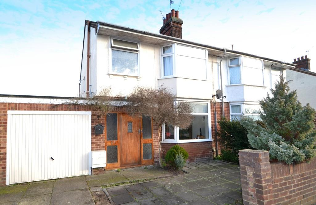3 Bedrooms Semi Detached House for sale in Locarno Road, Ipswich, Suffolk