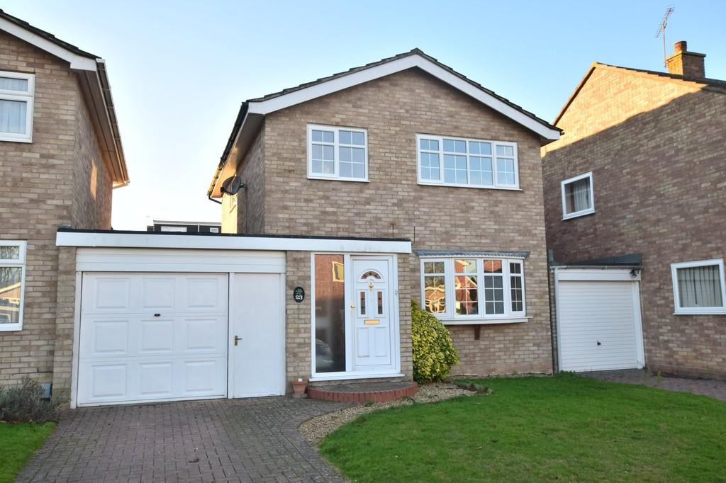 3 Bedrooms Detached House for sale in Belmont Crescent, St Johns, Colchester