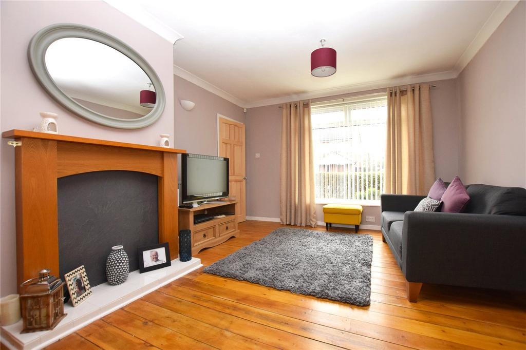 3 Bedrooms Semi Detached House for sale in West Grange Road, Leeds, West Yorkshire, LS10