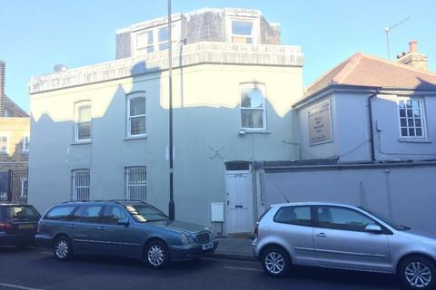 Studio to rent - Dawes Road, Fulham, SW6
