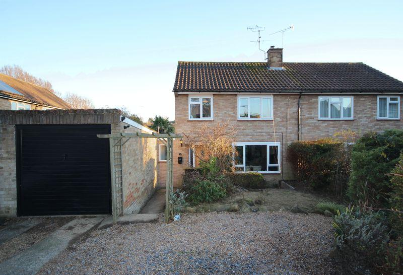 3 Bedrooms Semi Detached House for sale in Southdown Close, Haywards Heath