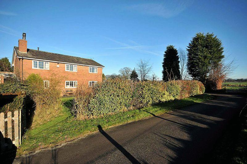 3 Bedrooms Detached House for sale in Cinder Lane, Snelson