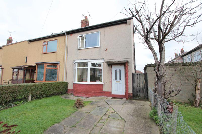 2 Bedrooms End Of Terrace House for sale in Glyn Avenue, Rhyl