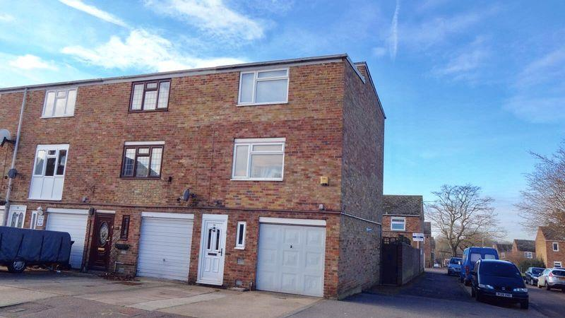 3 Bedrooms End Of Terrace House for sale in Brockles Mead, Harlow
