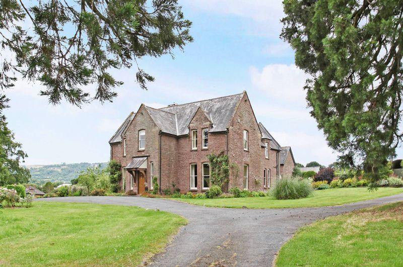 7 Bedrooms Detached House for sale in Orcop - 6 acres