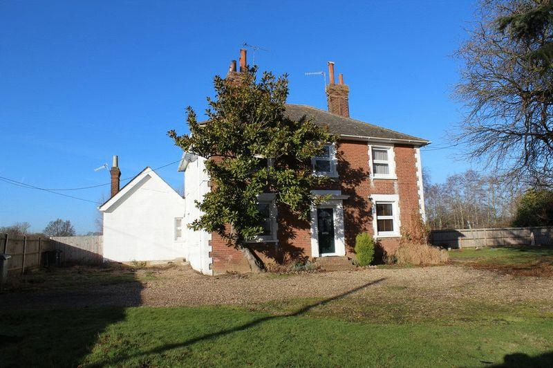 6 Bedrooms Detached House for sale in Paddock Wood