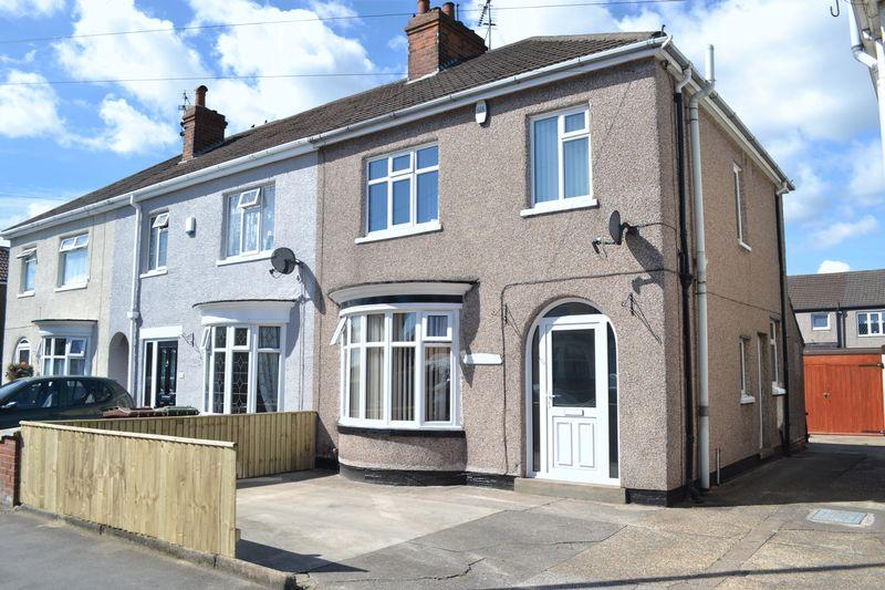 3 Bedrooms End Of Terrace House for sale in Carr Lane, Grimsby