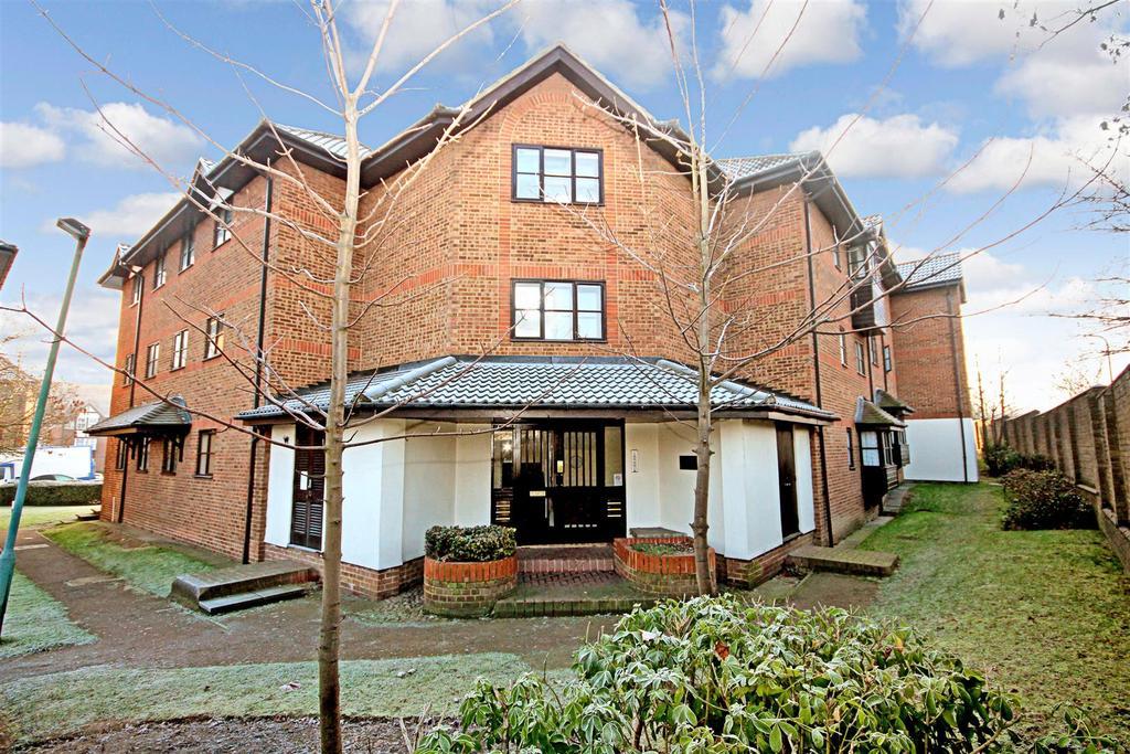 2 Bedrooms Flat for sale in Hardwick Crescent, Dartford