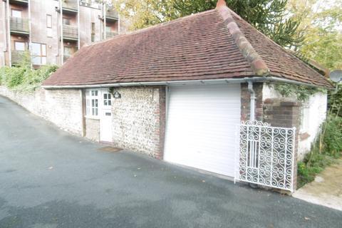 Studio to rent - London Road, Brighton BN1