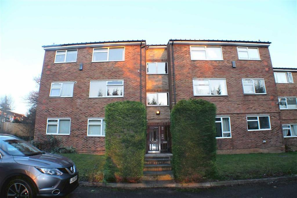 2 Bedrooms Flat for sale in Aysgarth Close, Harpenden, Hertfordshire, AL5