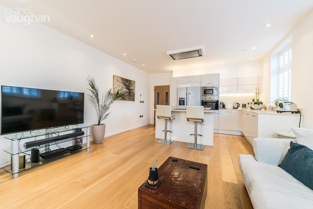 2 Bedrooms Apartment Flat for sale in Pavilion Point, BRIGHTON, BN1