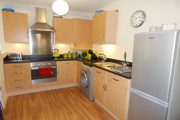 2 Bedrooms Terraced House for sale in Cremorne Drive, Nottingham, NG2