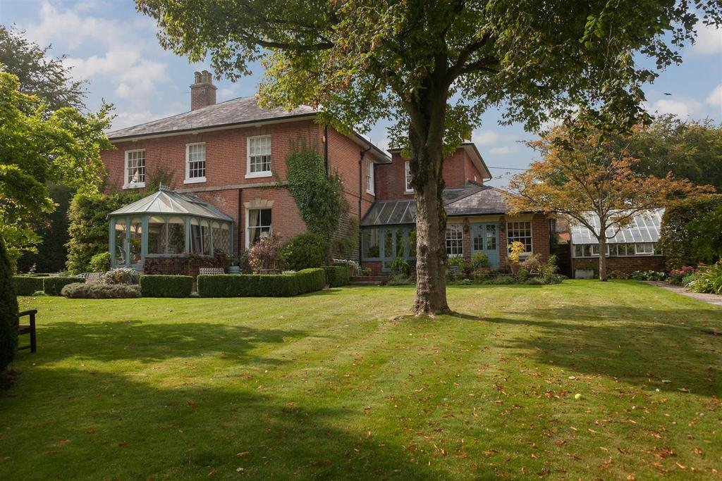 5 Bedrooms Detached House for sale in Fairfield House, Upavon nr Pewsey