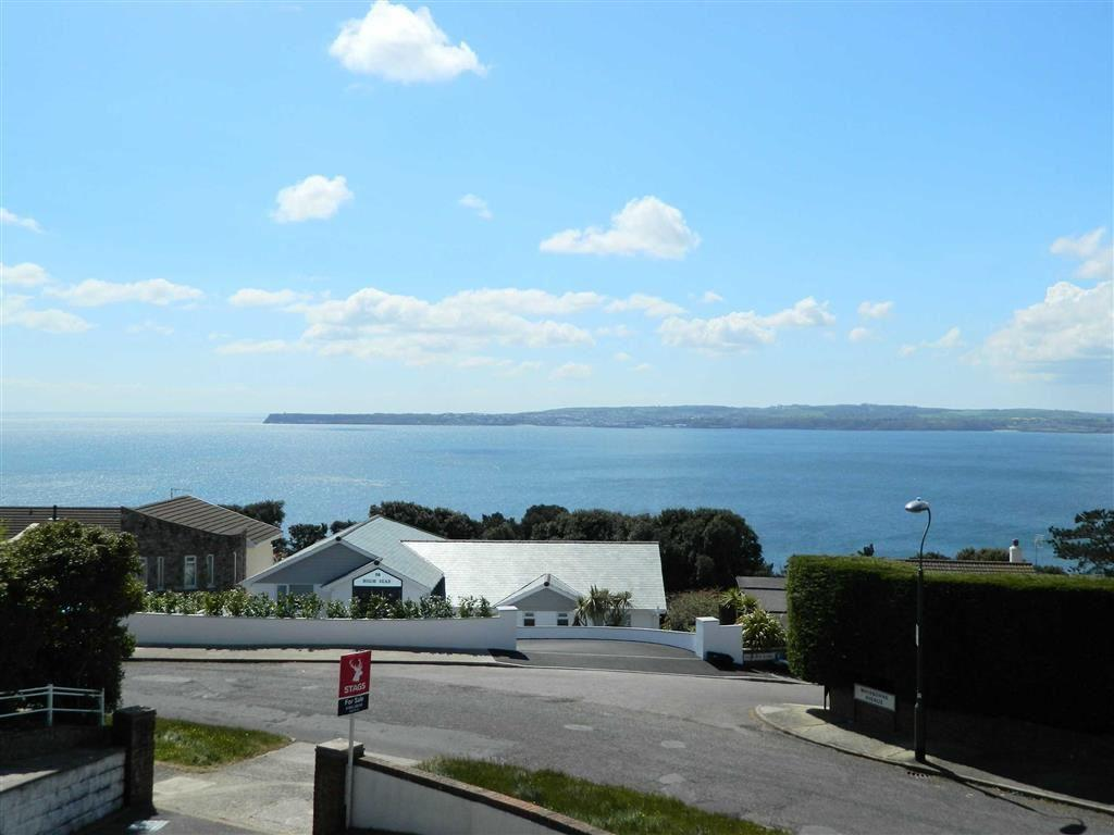 3 Bedrooms Bungalow for sale in Whidborne Avenue, Torquay, TQ1