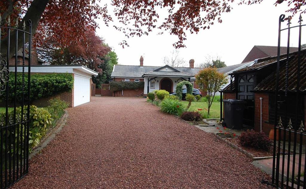 4 Bedrooms Detached Bungalow for sale in Dipe Lane, East Boldon