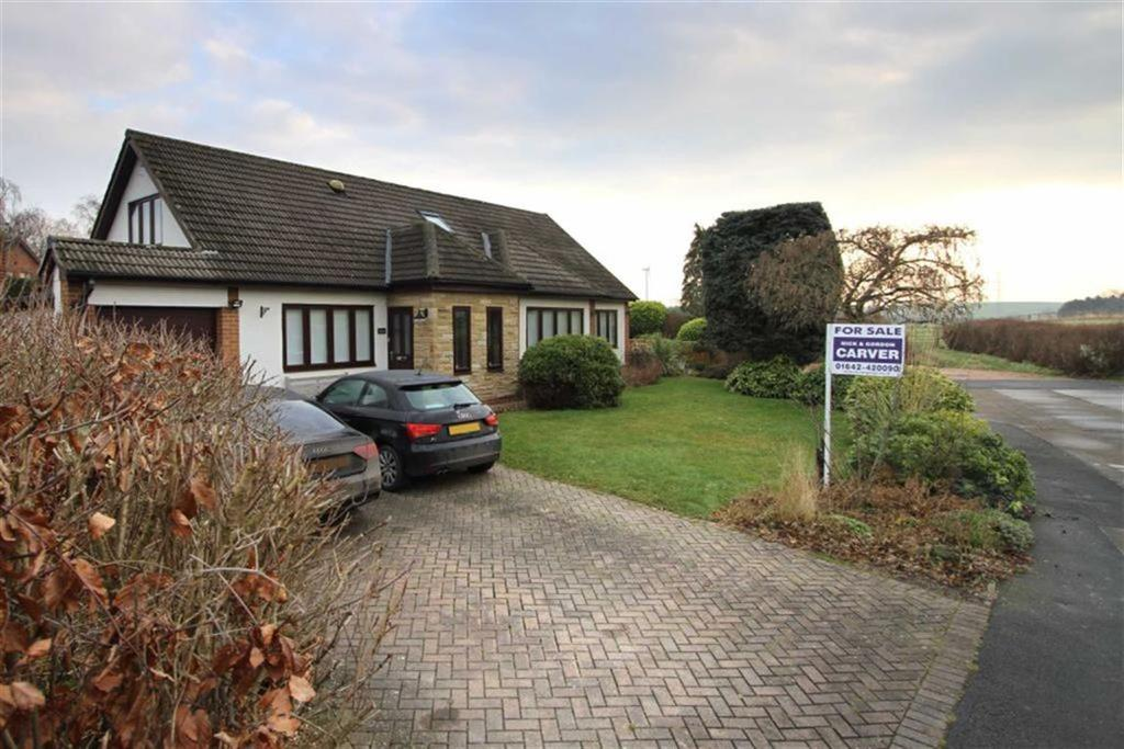 5 Bedrooms Detached Bungalow for sale in Fir Tree Close, Yarm, Stockton-on-Tees