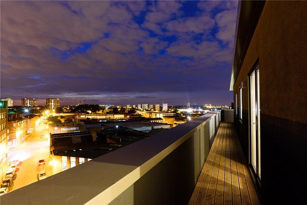 3 Bedrooms Penthouse Flat for sale in Honduras Wharf, Summer Lane, Birmingham City Centre, West Midlands, B19