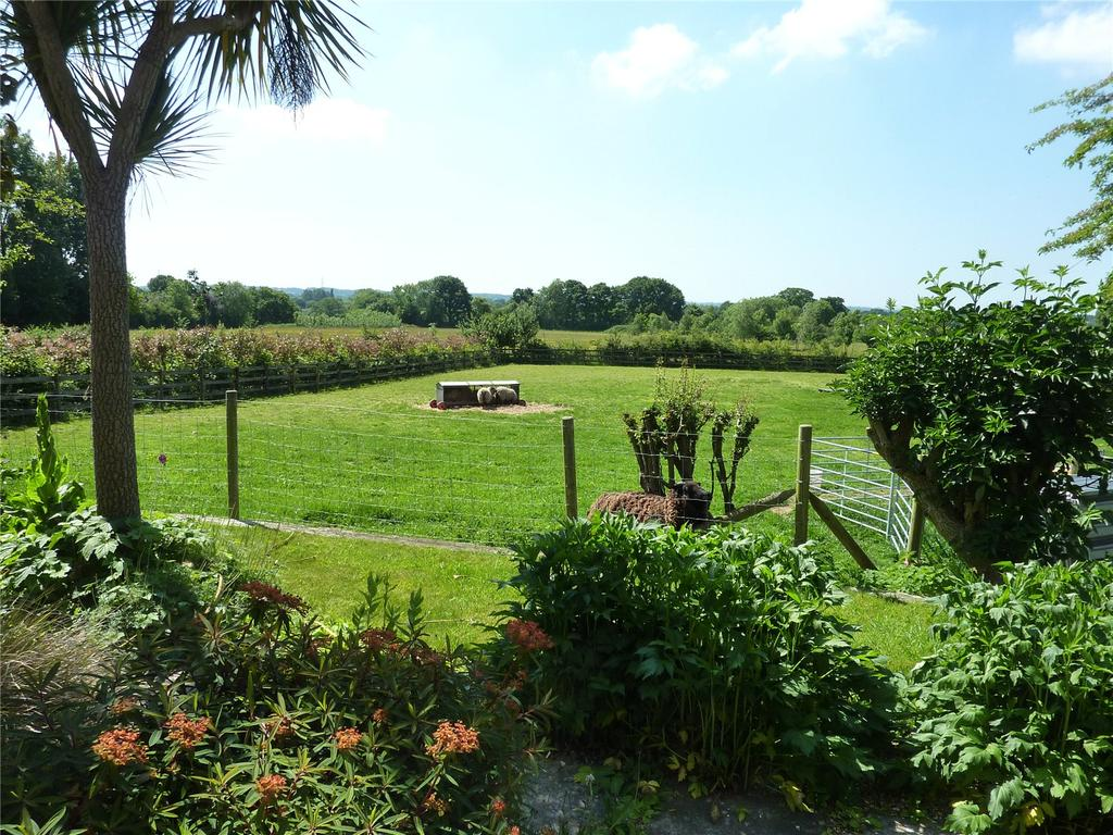 4 Bedrooms Detached House for sale in Uppington, Hinton Martell, Wimborne, BH21