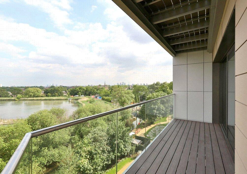 1 Bedroom Flat for sale in Parkhouse Apartments, Woodberry Grove, London, N4