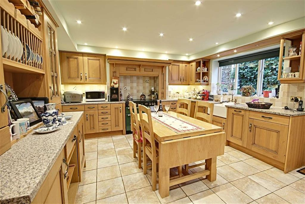 3 Bedrooms Cottage House for sale in Downhill Lane, East Boldon, Tyne And Wear