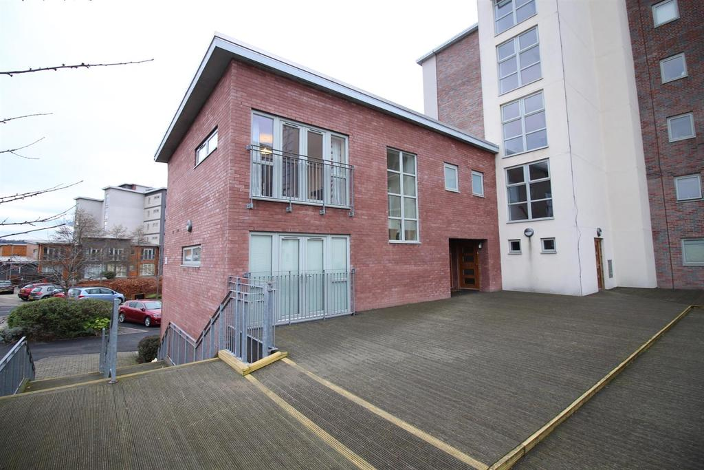 2 Bedrooms Flat for sale in The Grainger, The Staithes, Dunston