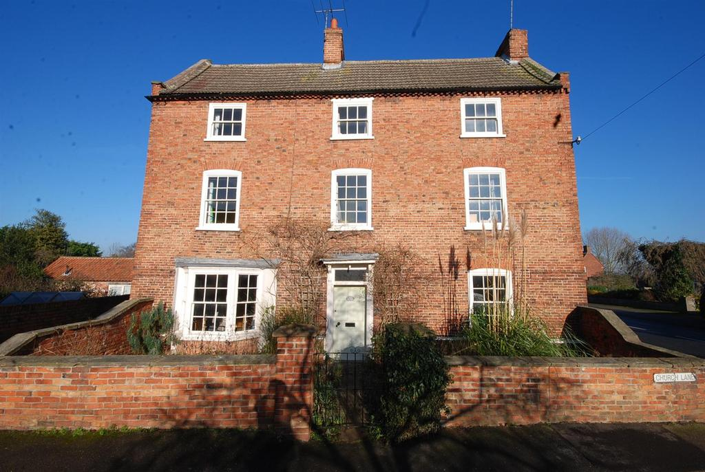 5 Bedrooms Farm House Character Property for sale in Church Lane, Collingham, Newark
