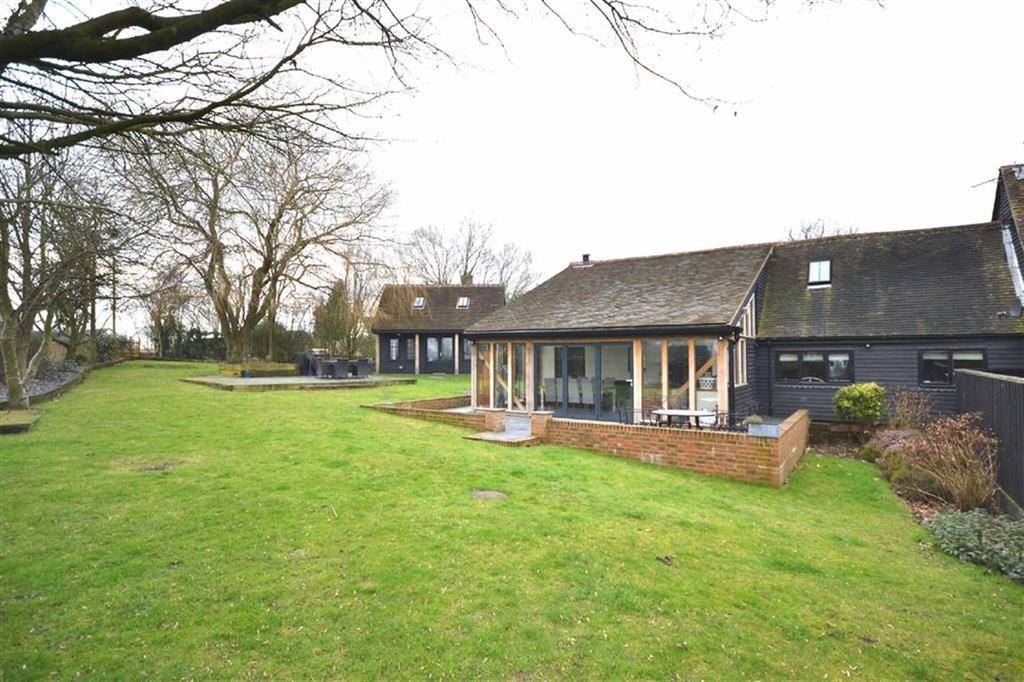 3 Bedrooms Semi Detached House for sale in Fluxs Lane, Epping, Essex, CM16