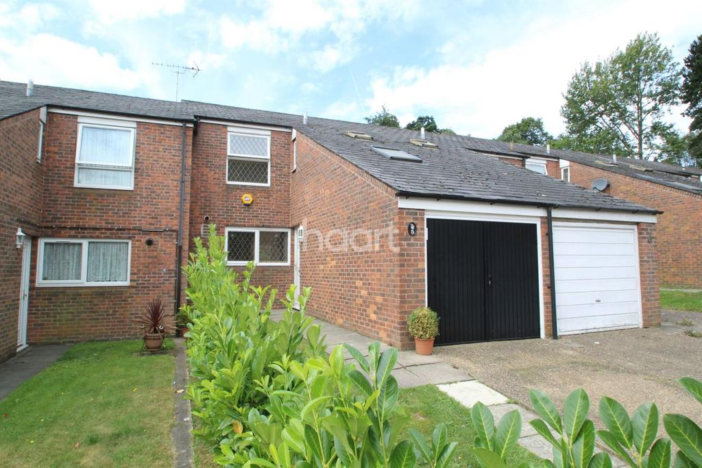 3 Bedrooms End Of Terrace House for sale in Hunter Close, Borehamwood