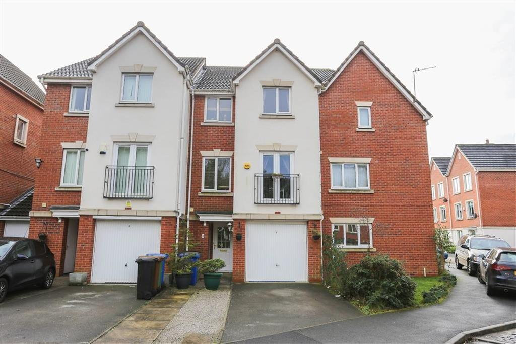 3 Bedrooms Town House for sale in Foggbrook Close, Offerton, Stockport
