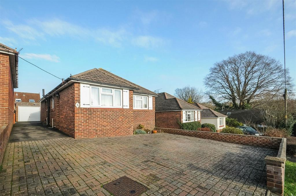 2 Bedrooms Detached Bungalow for sale in Chandler's Ford, Eastleigh, Hampshire