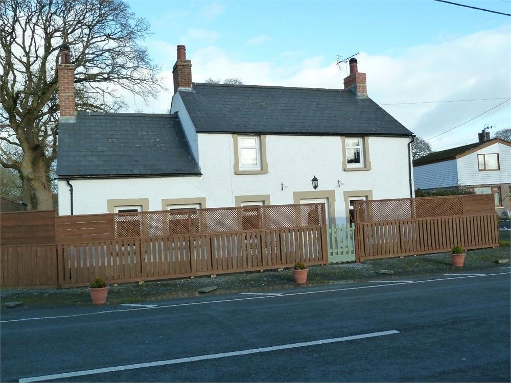 3 Bedrooms Detached House for sale in Maesyrhaf, Llechryd, Cardigan, Ceredigion