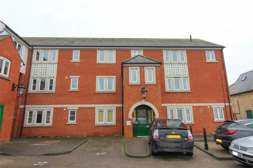 1 Bedroom Flat for sale in Coopers Court, Shefford, Bedfordshire