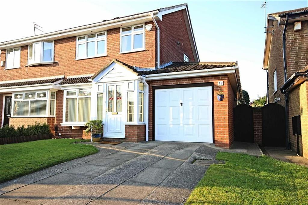 3 Bedrooms Semi Detached House for sale in Dykelands Way, South Shields, Tyne And Wear