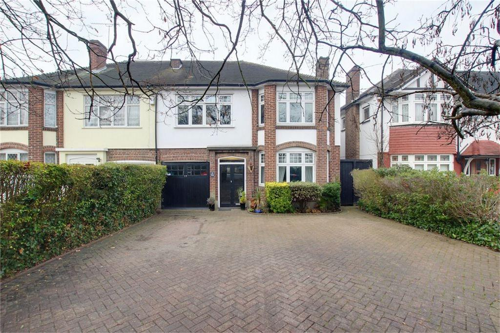 4 Bedrooms Semi Detached House for sale in High Road, Buckhurst Hill, Essex
